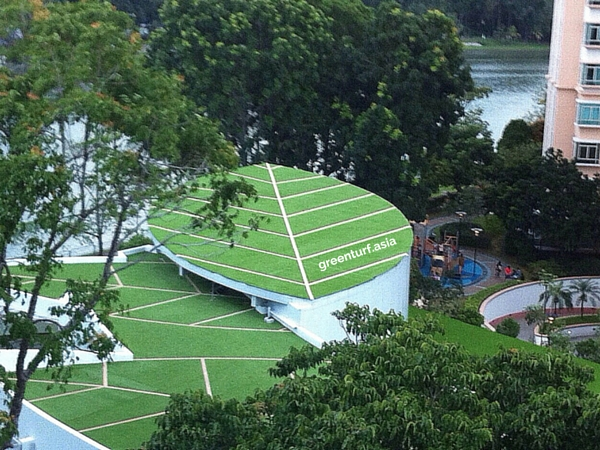 Leaf-shaped Rooftop with artificial turf and veins made of coloured turf