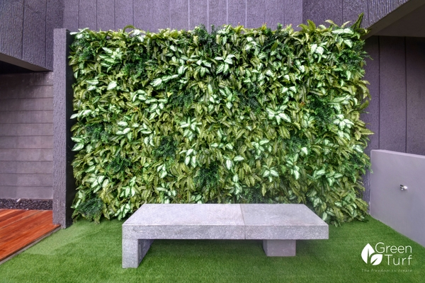 Outdoor Artificial Green Wall by GreenTurf using Boston Fern