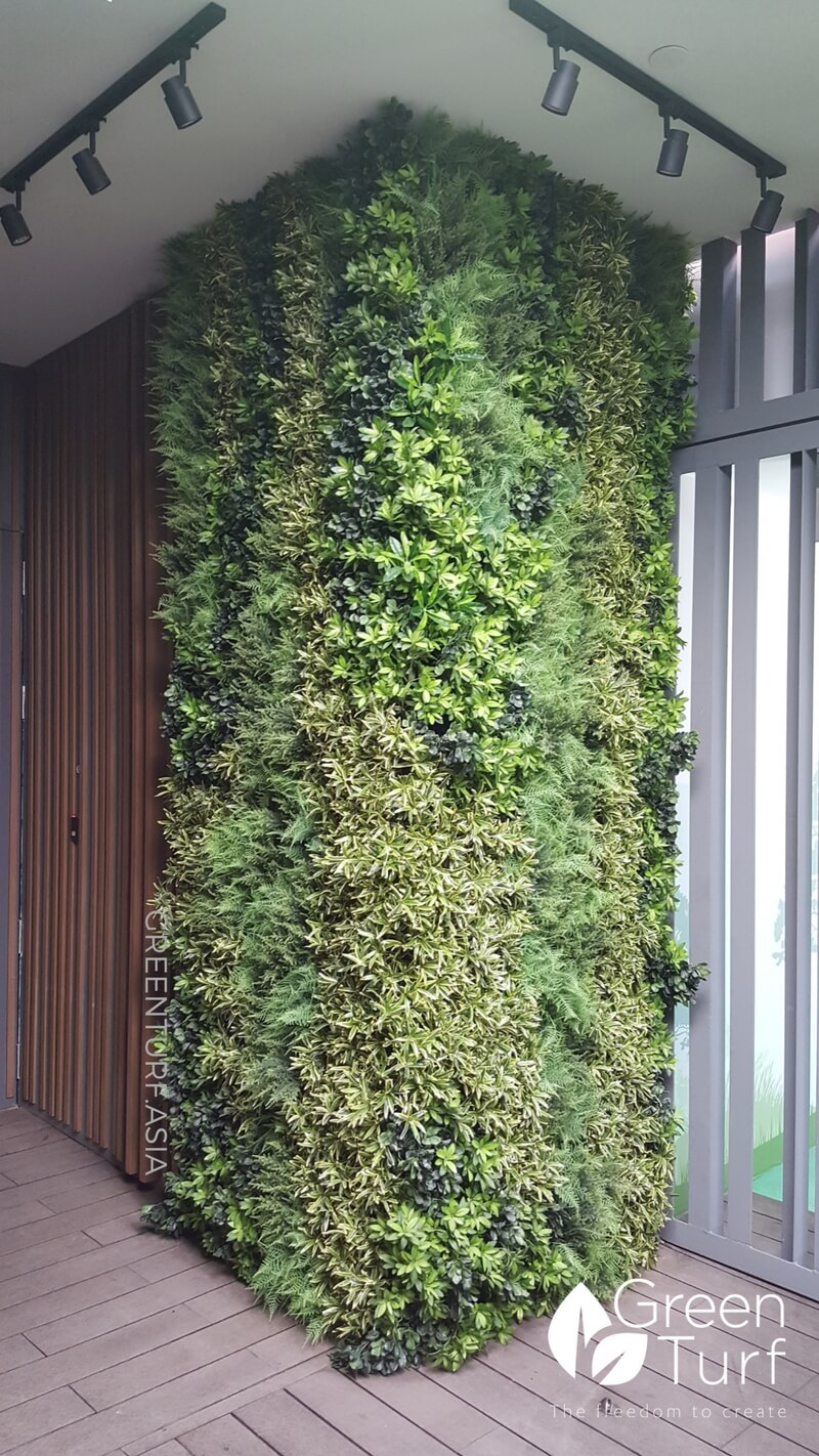 Corporate Office Makeover With Artificial Vertical Garden
